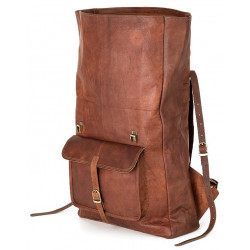 Classy and vintage looks leather bag for biker and college going